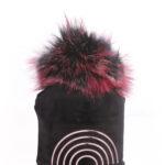 כובע קטיפה ייחודי עם פונפון